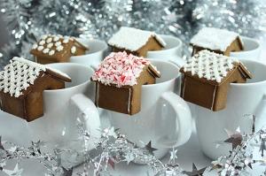 mini-gingerbread-house