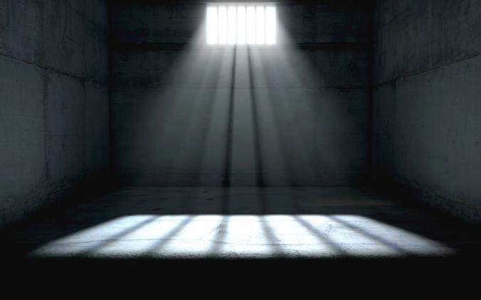 2-sunshine-shining-in-prison-cell-window-allan-swart